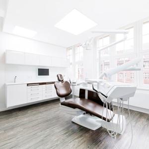 Zahnarztpraxis Dr. Kai Zwanzig Bielefeld Behandlungszimmer